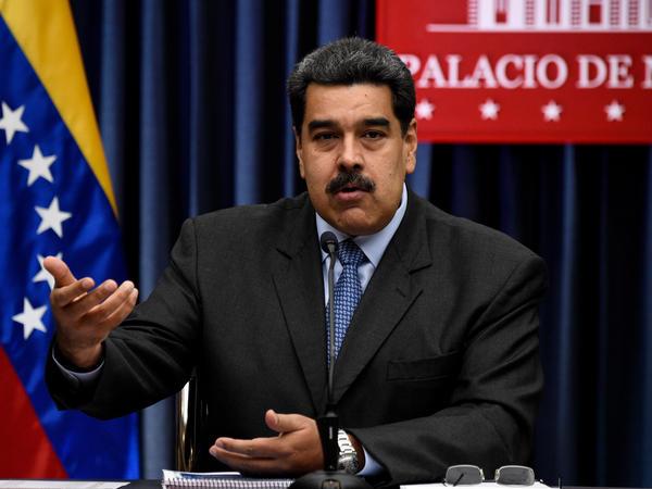 Venezuelan President Nicolás Maduro addresses journalists at the Miraflores presidential palace in Caracas in September 2018.