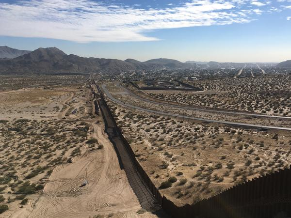 A newly constructed steel border wall divides the town of Sunland Park, N.M., from Anapra, in Mexico north of the city of Ciudad Juárez.