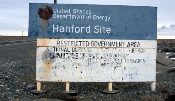 <p>A sign near the Hanford Nuclear Reservation.</p>