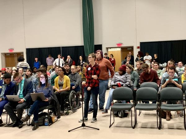 Wright State students line up to ask questions during a student-government-sponsored townhall meeting ahead of the planned faculty strike.