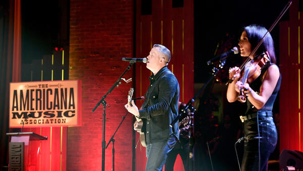 Jason Isbell and Amanda Shires perform onstage during the 2018 Americana Music Honors and Awards.