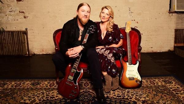 Tedeschi Trucks Band's <em>Signs </em>is out Feb. 15 on FanTasy.