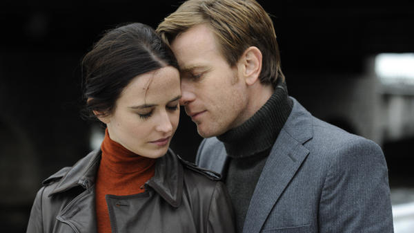 <strong>Losing Touch: </strong>Eva Green and Ewan McGregor are two egocentrists connecting as the world grapples with a strange plague that strips people of their five senses.