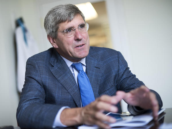 Stephen Moore, a conservative commentator and former Trump campaign adviser, has joined the president in criticizing the Federal Reserve.