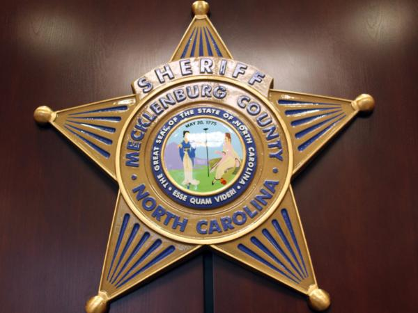 Backed by North Carolina Republican lawmakers, a bill that would require local sheriff's offices hold immigrant defendants in county jails is advancing through the General Assembly.