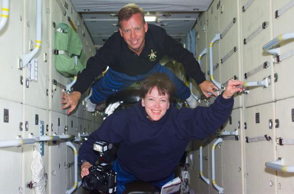 Dr. Janet Kavandi and Commander Steven Lindsey during the STS-104 shuttle mission in 2001. It was the Missouri native's third and final spaceflight.