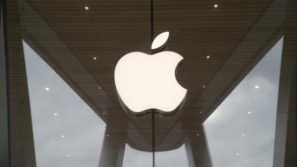 Two students in Oregon allegedly defrauded Apple out of nearly $900,000, according to a criminal complaint.