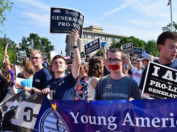 Whole Woman's Health v. Hellerstedt 2016 demonstration in front of SCOTUS