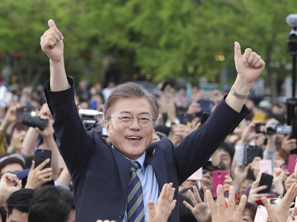 South Korean presidential candidate Moon Jae-in of the Democratic Party campaigns in Goyang, South Korea, on May 4.