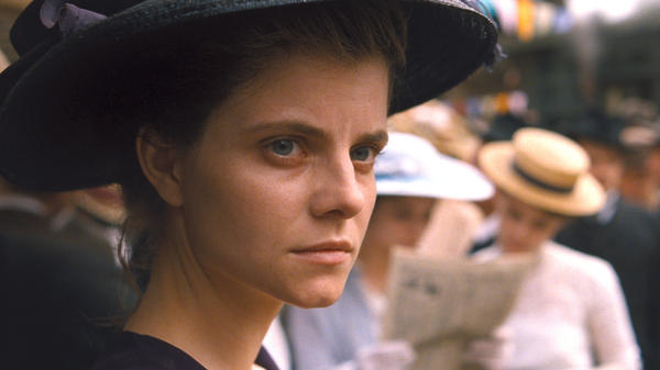 <em>Sunset </em>stars Juli Jakab as Irisz Leiter, a young woman in Budapest on the eve of World War I.