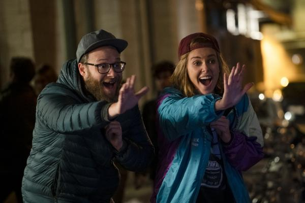 Seth Rogen and Charlize Theron get their rom-com on in <em>Long Shot. </em>