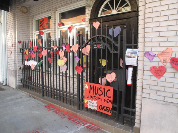 Outside of 152 Nassau Street in Atlanta, the site of the pop-up recording studio responsible for country music's first hit record.