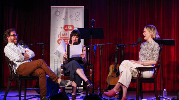 Jonathan Coulton, Ophira Eisenberg and Taylor Schilling play a game on<em> Ask Me Another</em> at the Bell House in Brooklyn, New York.