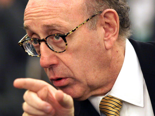 Kenneth Feinberg has been appointed to oversee talks between Bayer's lawyers and plaintiffs' representatives for a court-mandated settlement over claims that the weedkiller Roundup caused cancer.