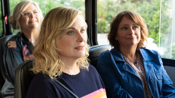 Amy Poehler (center) is the director and producer of <em>Wine Country</em> and stars in the film along with friends Paula Pell (left) and Rachel Dratch.