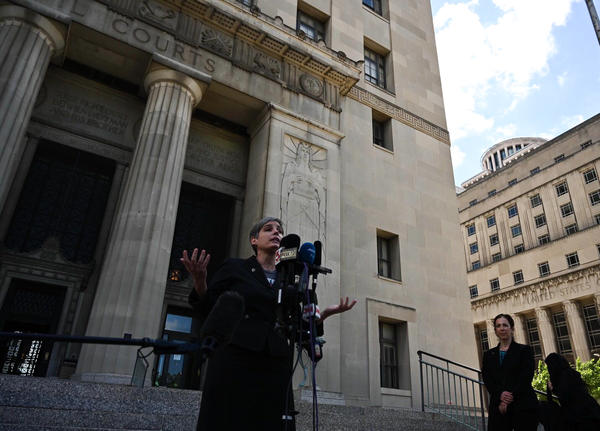 M'Evie Mead, director of Planned Parenthood Advocates in Missouri, addresses reporters outside the St. Louis Circuit courthouse on Thursday.