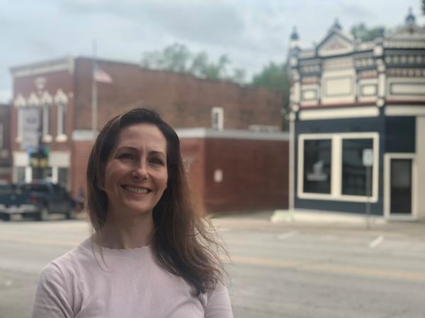 Leslie Herring, the assistant city manager, has helped journalism students from KU make connections in Eudora.