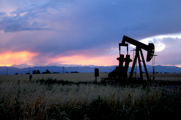An oil well near the border of Boulder and Weld counties.