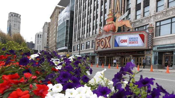 The Fox Theatre displays signs for the Democratic presidential debates in Detroit this week.