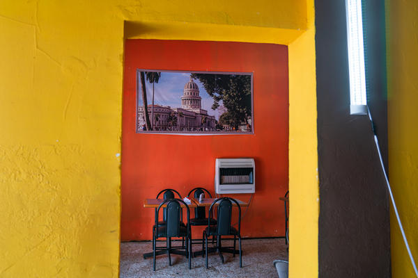Inside Little Habana, the walls are painted in bright colors and lined with images from Cuba. The restaurant brings a little bit of the Cuban capital to Juárez, Mexico.