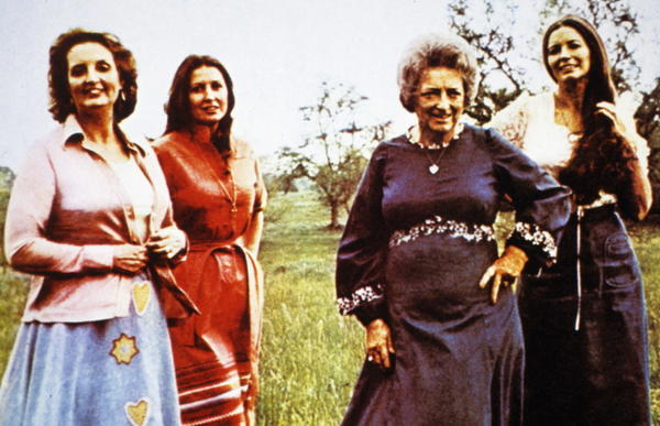 Maybelle Carter (second from right) in 1974 with her daughters (from left) Helen, Anita and June.