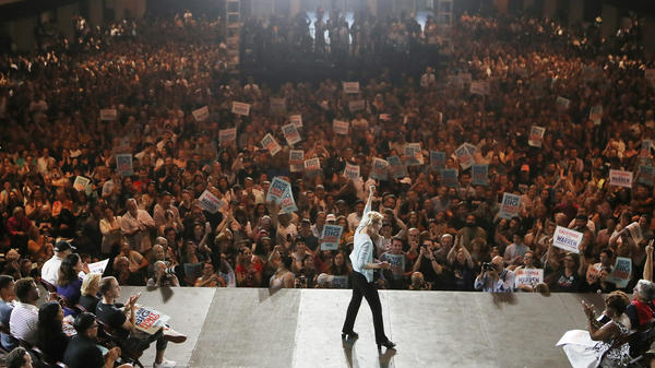 Democratic presidential candidate Sen. Elizabeth Warren speaks to supporters at the Shrine Auditorium in Los Angeles last month.