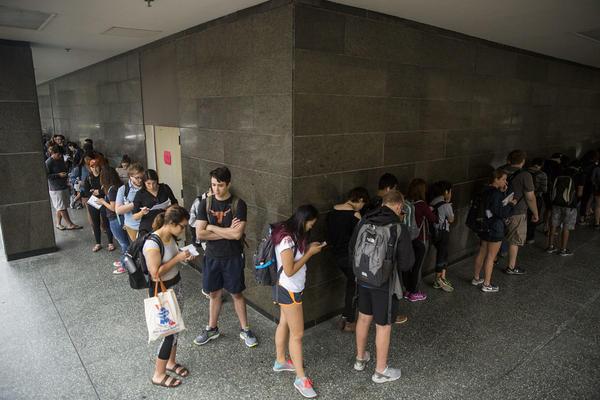 UT Austin students line up to vote at the Flawn Academic Center in 2016.