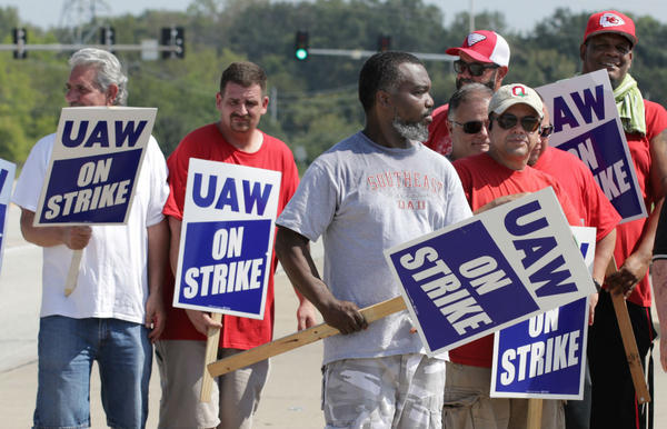 UAW Local 2250 members on strike outside of the GM plant in Wentzville.