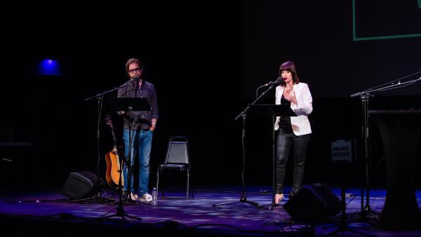 Jonathan Coulton and Ophira Eisenberg lead <em>Ask Me Another'</em>s final round at the Paramount Theatre in Austin, Texas.