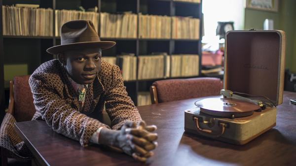 """Having not grown up here, I feel I'm always educating myself on what this country is, what it has been and perhaps what it can be."" J.S Ondara's debut album is <em>Tales of America.</em>"