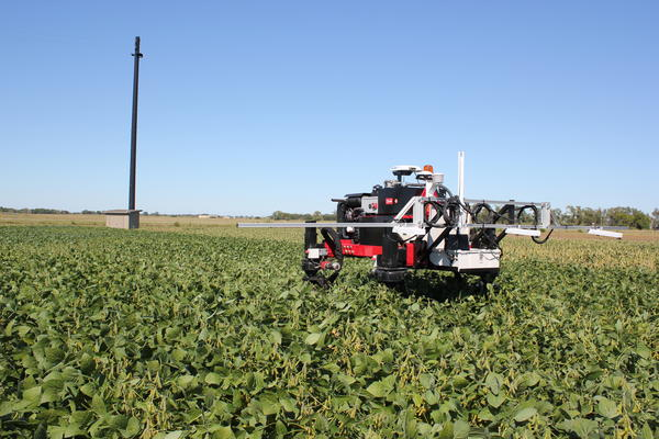 The Flex-Ro uses cameras and sensors to detect the health of plants, and is being taught how to identify weeds.