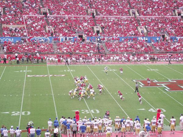 Th University of Houston Cougars playing the UCLA Bruins in 2011.
