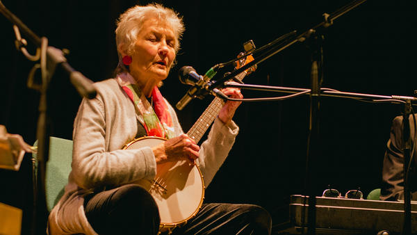 Peggy Seeger performs live at the 2018 Birnam Book Festival.