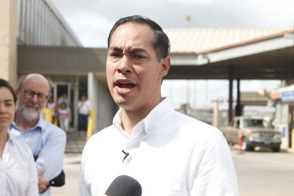 Julián Castro attempted to convince border officials to allow a group of LGBTQ asylum seekers to wait for their court dates in the U.S. instead of in Mexico.