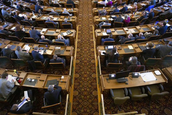 A study says Kansas state lawmakers typically make $21,900 each legislative session.