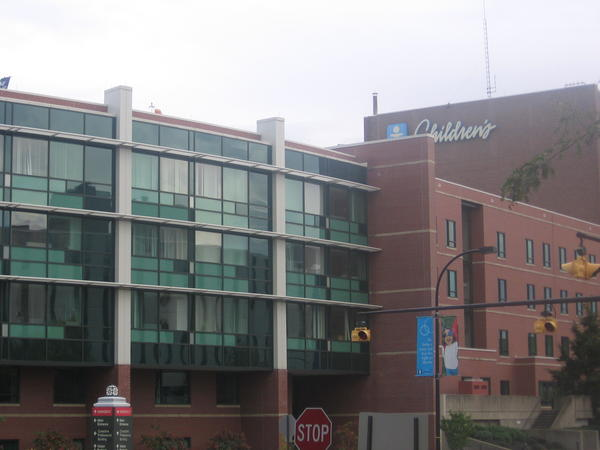 Doctors at Akron Children's Hospital have developed guidelines that reduce reliance on prescription painkillers following surgery.