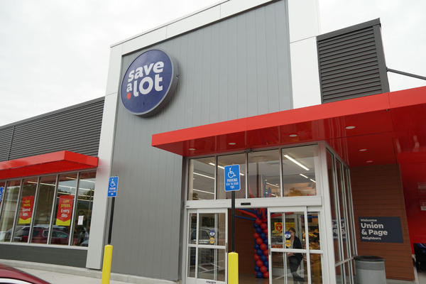 Save A Lot opened a new store Thursday on the corner of Union and Page in the Hamilton Heights neighborhood.