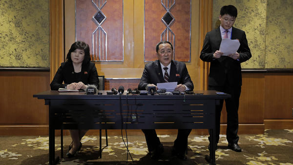 North Korean Foreign Minister Ri Yong Ho (center) addressed why talks between President Trump and North Korean leader Kim Jong Un ended with no deal, at a news conference in Hanoi, Vietnam, on Thursday.
