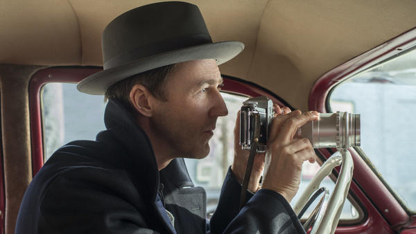 Edward Norton plays detective Lionel Essrog in <em>Motherless Brooklyn, </em>a movie he also directed and wrote.
