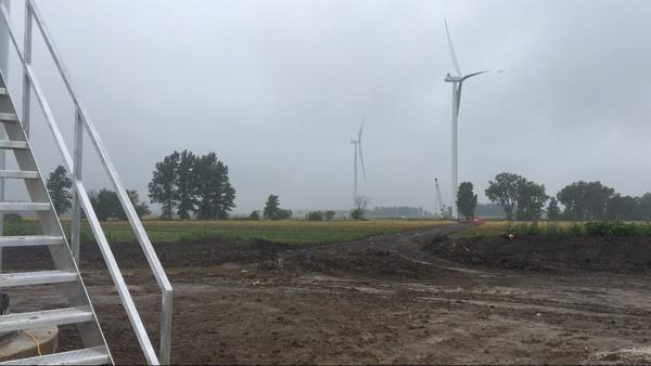 Crews work on the Hog Creek Wind Farm in Hardin County, September 2017