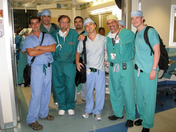 Dr. Robert Marx stands with University of Miami Miller School of Medicine residents and faculty in 2009. From left to right: Alberto Olavarria, Lawrence Armentano, Robert Marx, Francisco Esser, Juan Samaniego, Jesús Gomez, and Joseph Grider.