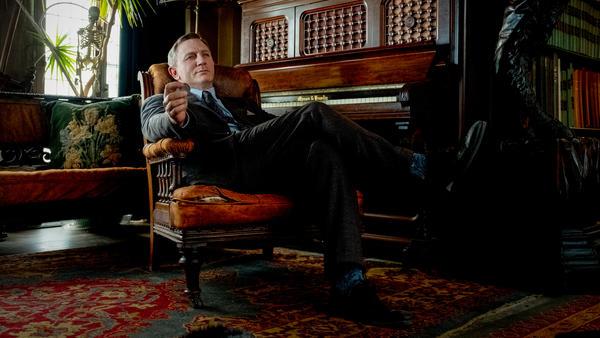 Daniel Craig as detective Benoit Blanc in <em>Knives Out.</em>