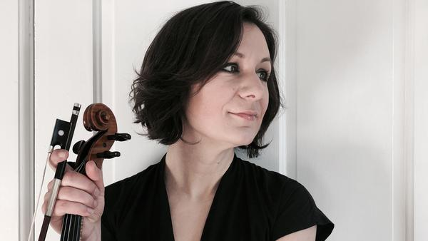 Fiddler and singer Lissa Schneckenburger is featured on this week's episode.