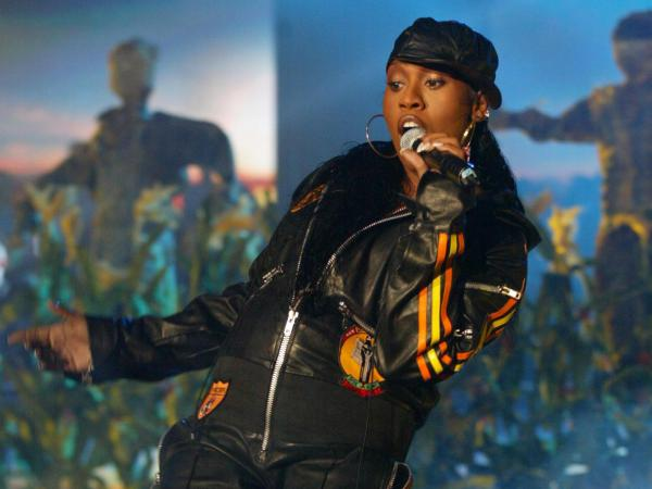 Missy Elliot performs at the MTV Europe Music Awards 2003