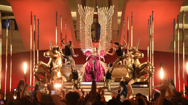 Nicki Minaj rehearses for the 2018 MTV Video Music Awards.