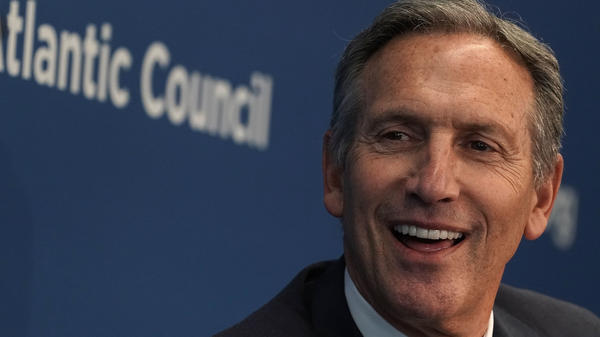 Former Starbucks CEO Howard Schultz participates in a discussion at the Atlantic Council in May 2018.