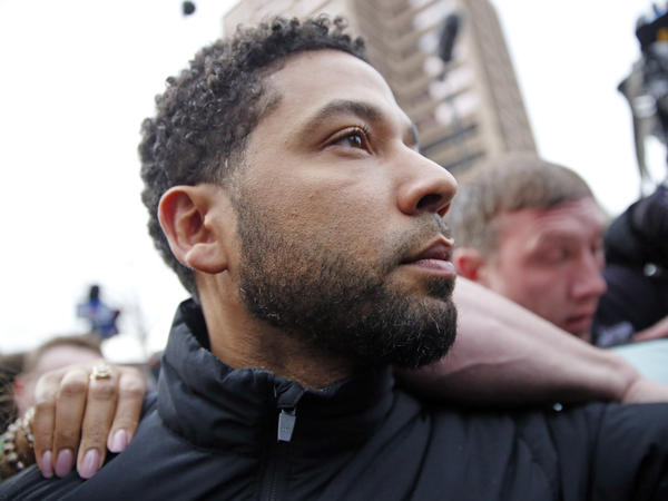 <em>Empire</em> actor Jussie Smollett leaves Cook County jail after posting bond on Thursday.