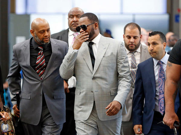 R. Kelly, arriving at the Leighton Criminal Courthouse in Chicago on Thursday.