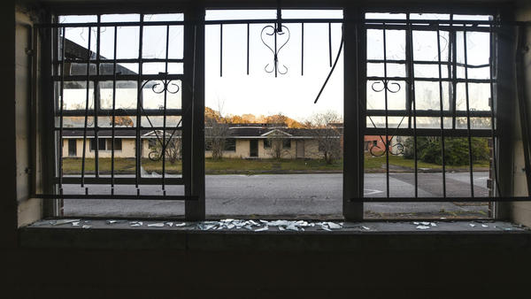 A housing project stands abandoned in the Africatown community in Mobile, Ala.