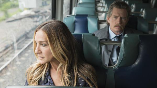 Sarah Jessica Parker and Thomas Haden Church play divorced parents on the HBO comedy series <em>Divorce</em>.